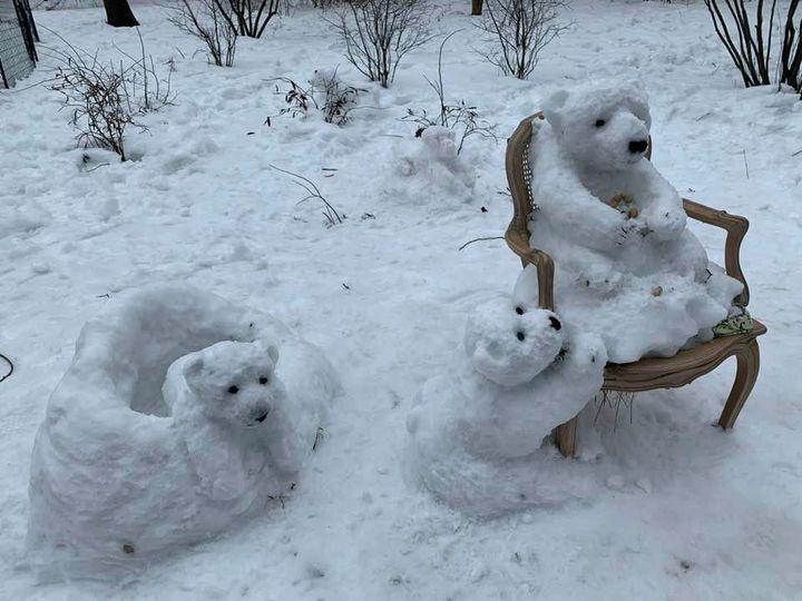 polar bear sculpture a