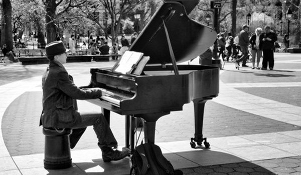 thumbnail_music-in-Washington-Square-Park